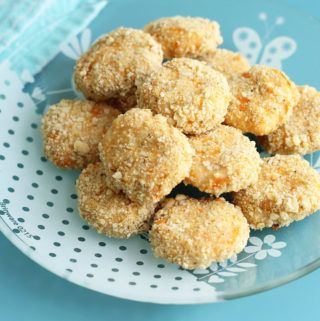 These homemade chicken nuggets make for a super easy toddler dinner and will make the kids happy at the table. And us parents will delight in knowing that they're made with just 3 healthy ingredients! #homemadechickennuggets #toddlerchickennuggets #healthychickennuggets #veggiechickennuggets #toddlerdinner #toddlermeal