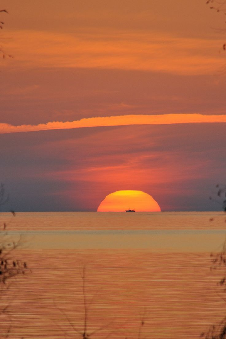 Sunset in Kyparissia - Messinia http://www.discover-peloponnese.com/