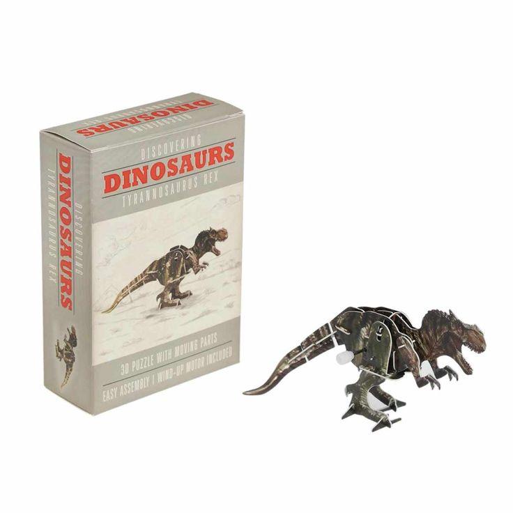 Votre petit pirate passera des heures à s'amuser à monter ce Tyrannosaure tout seul comme un grand !  Les pièces se détachent, se montent et s'accrochent à un petit remontoir mécanique donnant ainsi vie à ce dinosaure. 5,90 € http://www.lafolleadresse.com/bricolage/1071-tyrannosaure-à-monter-soi-meme.html