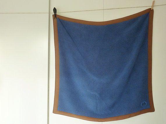 Foulard vintage en soie Didier Lamarthe foulard bleu et brun chez Vintage Signature sur Etsy / vintage  bleue silk scarf from Lanvin french vintage