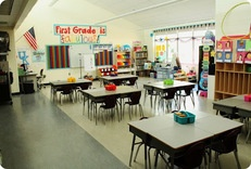 Creative ways to organize classrooms  Lots of pictures of different classrooms: Classroom Layout, Classroom Design, Classroom Decor, Classroom Theme, Classroom Sets Up, Classroom Organizations, Classroom Setup, Organizations Classroom, Classroom Ideas