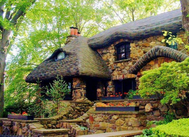 Stone Cottage In The Woods Old stone cottage in t...