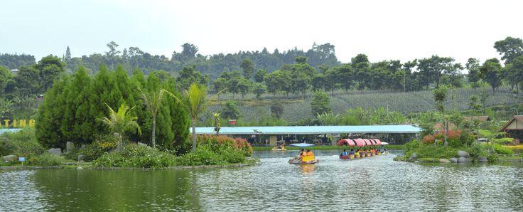 lake @ floating market
