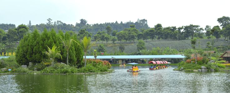 lake @ floating market