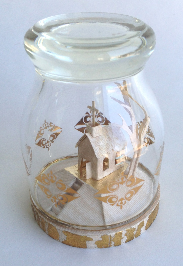 miniature glass diorama by Lynda Wilson