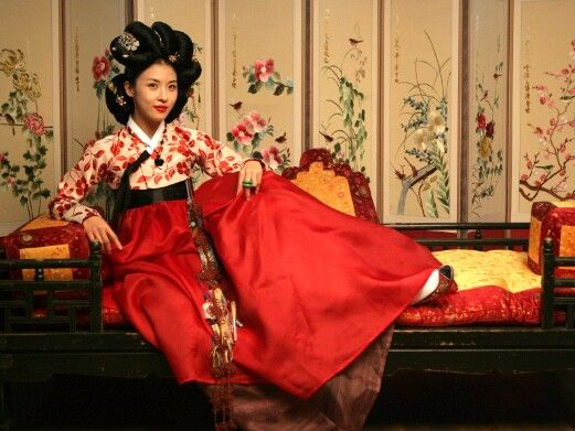 Ha ji won / Hwang jin yi / hanbok