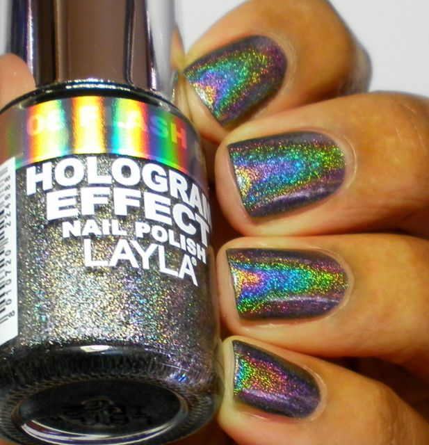 layla hologram effect in flash black