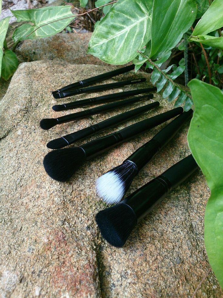 Inika Makeup Brush Roll