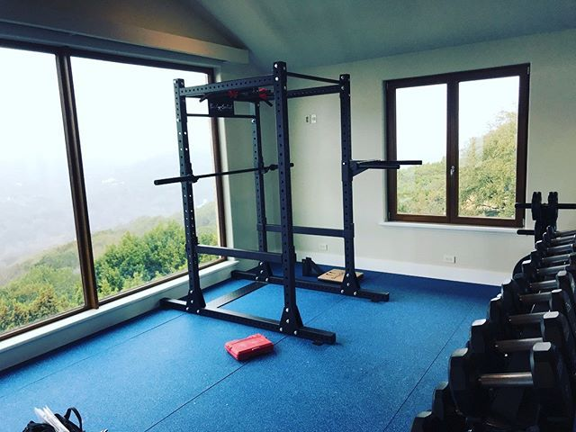 Thanks to our friends @fitness_in_motion_south_texas for sharing this beautiful SPR1000 Power Rack installation in Austin Texas. Not a bad view huh? #Austin #Texas #PowerRack #BodySolid #SPR1000 #FitnessInMotion #HomeGym #HomeWorkoutSpace #HomeWorkout #HomeFitness #HomeGyms #Gym #Gyms