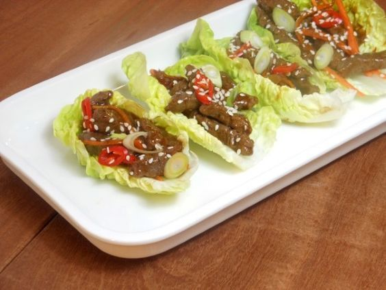 Pittige biefstukreepjes in slawrap - recept/recipe - spicy beef in lettuce wraps