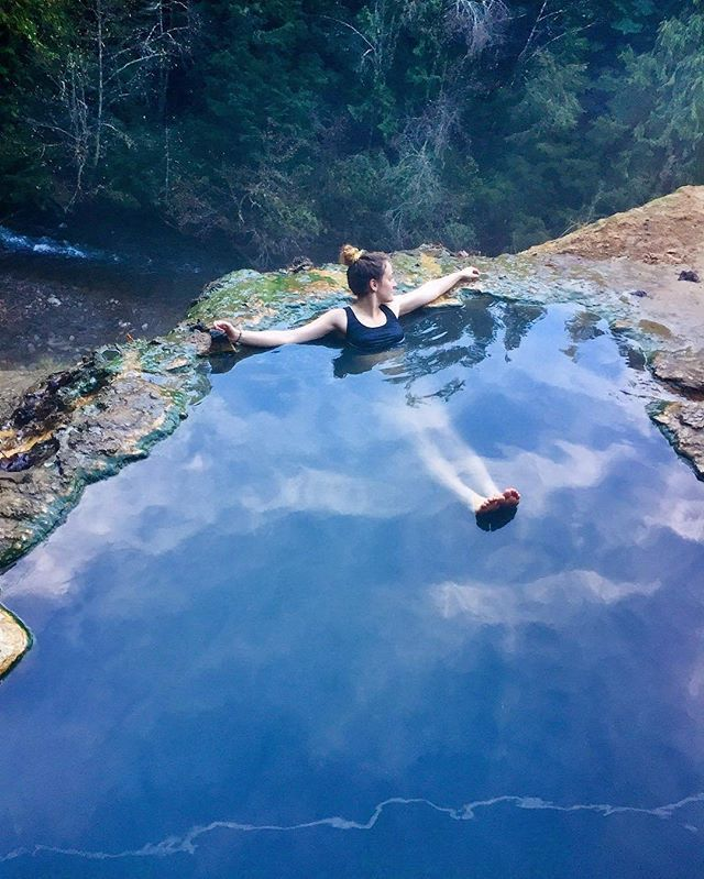 Photo from @stephanietrav - Located in the central Oregon Cascades about one hour from the I-5 corridor, this hot springs is year round accessible. Umpqua features 3 hot pools (one covered) located on a mineral deposit situated above the North Umpqua River. A brief but steep hike leads intrepid soak seekers to the pools from the signed parking area (text from soakoregon.com) - Image selected by @ericmuhr Join us in exploring Oregon, wherever you are, and tag your finds to #Oregonexplored…