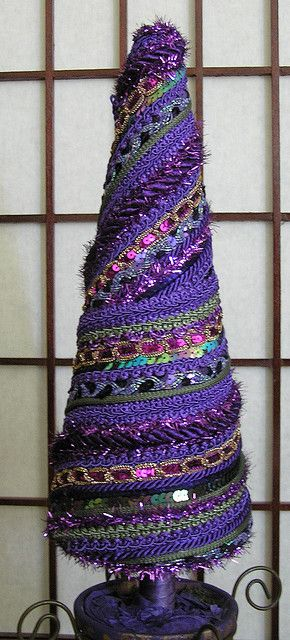 fiber art ornament--this would be so easy to make with some pretty trim and a glue gun!
