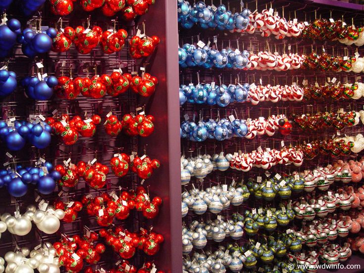 179 best Disney holiday images on Pinterest | Disney christmas ...