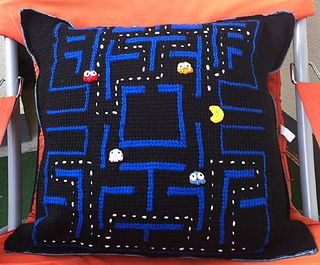 Pacman Pillow free crochet pattern by Kerstin Batz ༺✿ƬⱤღ https://www.pinterest.com/teretegui/✿༻
