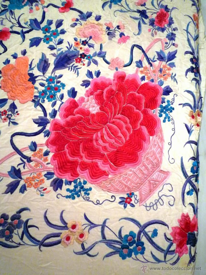 Magnifico manton de Manila Bordado a mano antiguo . España