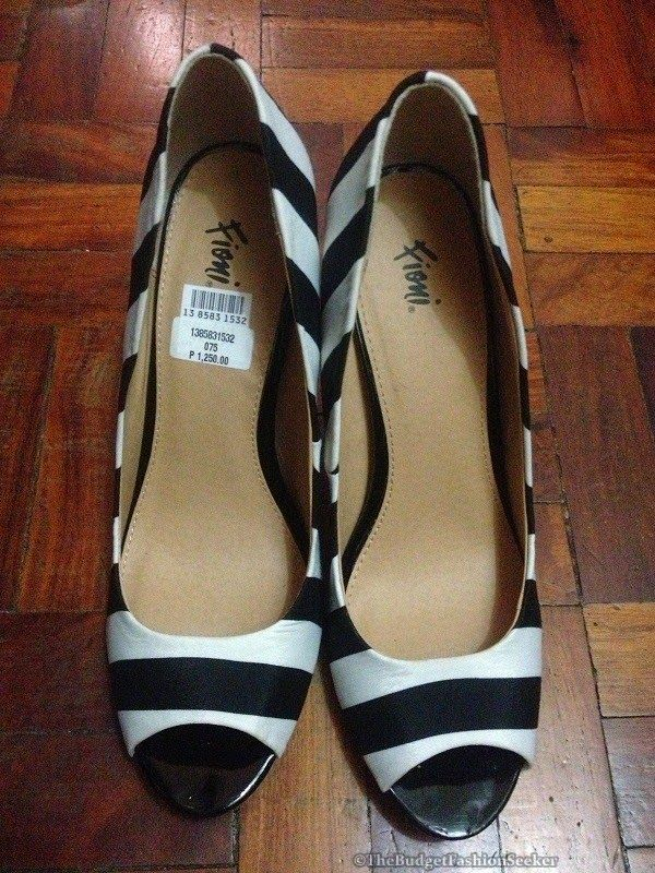 Budget Fashion Seeker: Black and White Peep Toe Heels from Payless Shoe Source