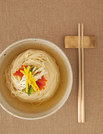 Janchi Guksu (잔치국수, Banquet Noodles)