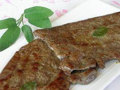 Il fegato di vitello alla salvia è un secondo piatto semplice, veloce da cucinare e saporito. Il fegato è un alimento ricco di vitamine e di sali minerali