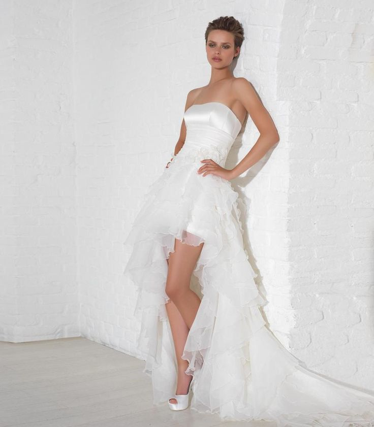 Enjoy your wedding day... with a special dress made in Italy: short in front and long in back.