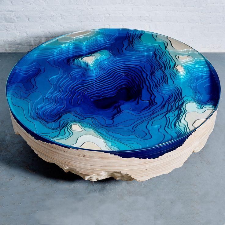 La profondità dell' oceano in un tavolo da caffè http://www.design-miss.com/l-oceano-in-un-tavolo-da-caffe/ Un #tavolo da caffè per conversare a bordo oceano