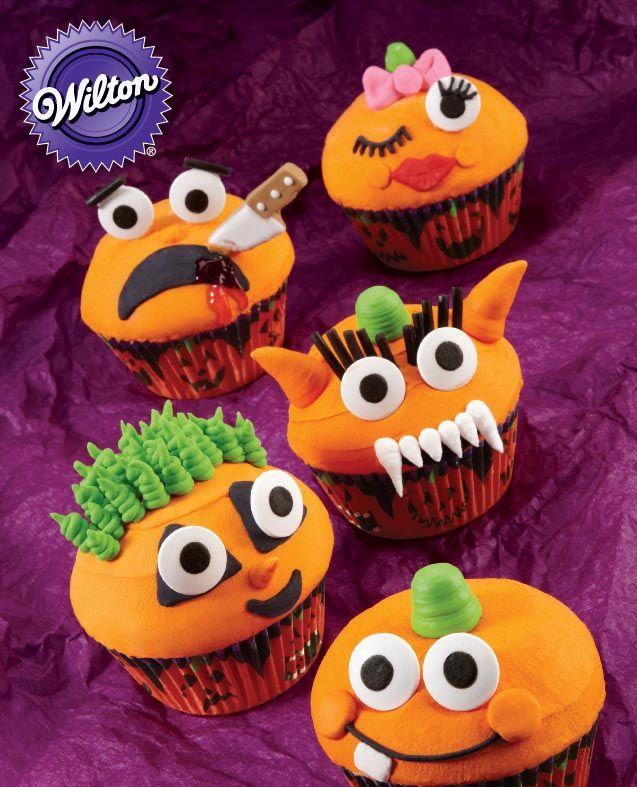 wilton grinning pumpkin cupcakes wilton cupcakes cakedecorating halloween