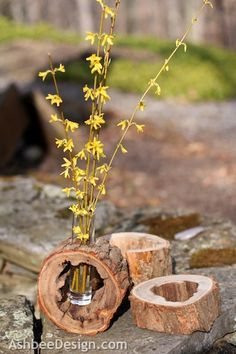 Ashbee Design: DIY Log Slice Vase with Spring Flowers