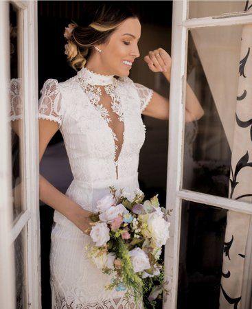 445b30d62 Vestido Longo Betina com Cauda e Bordado - Villa Noiva - Vestidos para  Casamento Civil