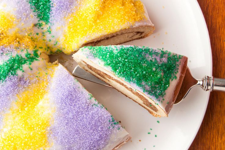 Make a Mardi Gras King Cake for the New Orleans Carnival with Chowhound's step-by-step guide. Using bourbon and spices, a plastic baby is optional for this classic...