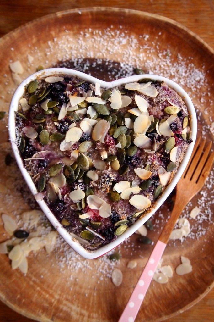 Recept: baked oats met kokos en rood fruit - De Groene Meisjes
