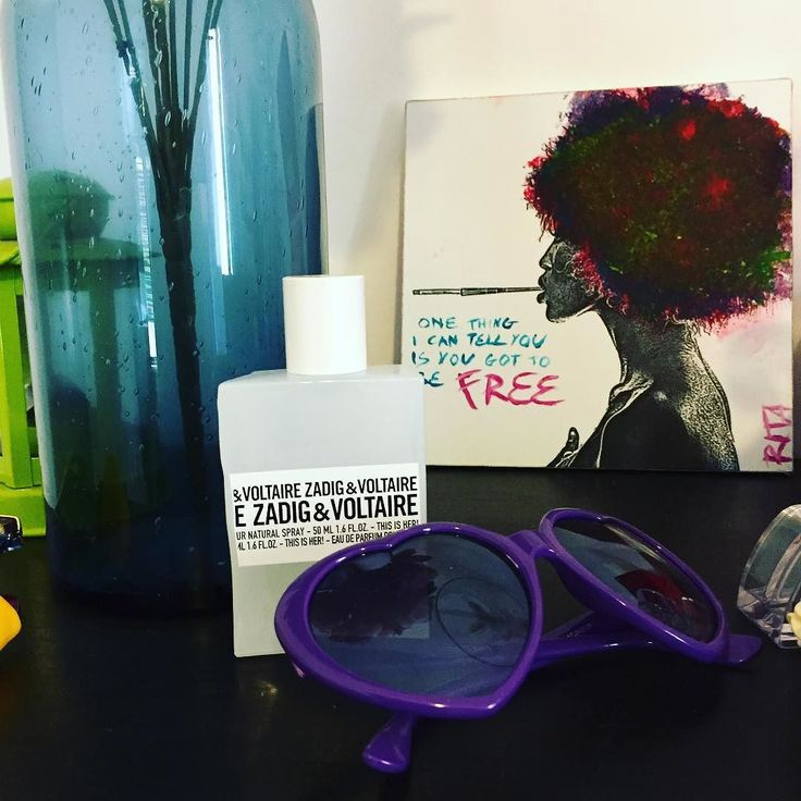 This is her di Zadig & Voltaire è una fragranza che mi ha conquistato subito. Ha note di gelsomino che si mescolano al pepe rosa panna montata e sandalo. Una fragranza femminile sensuale ma dolce e timida allo stesso tempo. Per me rimane la scoperta del 2016. #consiglidimakeup #zadigetvoltaire #perfume #profumo #thisisher #fragrance #perfumeofinstagram #ibbloggers #beautyblogger #beauty #bblogger