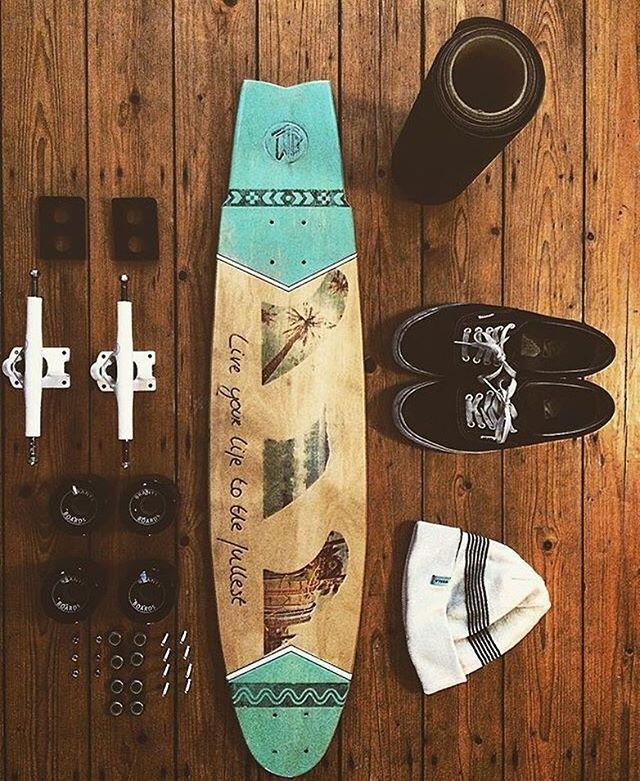 Tag your friends  [ @brantsboards] ⏩ @isajuette The design and shape of this board is done by only one person! #Longboard#longboarding#longboarden#skate#street#wood#bearings#Kugellager#axle#Achsen#trucks#deck#board#wheels#Rollen#downhill#freestyle#cruising#dropthrough#topmount#Longboardz ♦️YouTube: LONGBOARDZ Snapchat: isajuette
