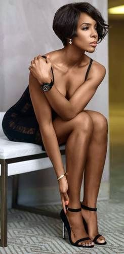 Kelly Rowland definitely gets better with age. Beautiful