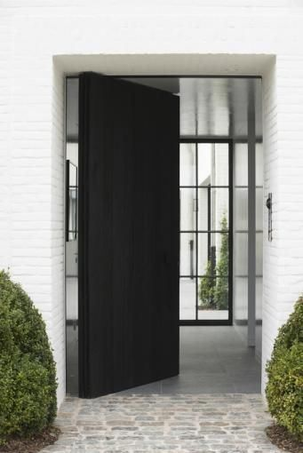 FABULOUS PIVOTING DOOR