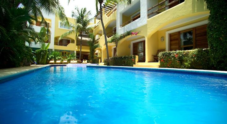 Hotel Riviera Caribe Maya in Playa del Carmen. This amazing hotel in Playa del Carmen is only minutes away from the beach and just aside off the 5th avenue. Hotel Sol Playa in Playa del Carmen. This small hotel is a great option for your family vacation in Playa del Carmen only minutes from the beach and 5th avenue. #PlayadelCarmen #Travel #Mexico #RivieraMaya