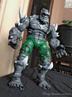 Hi what's up guys..,this time my customer asked me to make doomsday from injustice game version...,base body use hulk icon..12 inch scale,,although actually higher .Scrape the hair and hardest part is eroding the pants change the pattern lol..