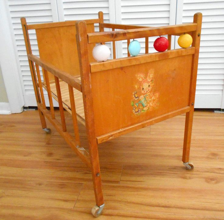 Wooden Baby Doll Crib Vintage Honey Finish Plastic Disc Accents Drop Side Rail Unknown