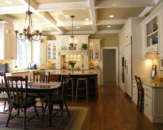 Beautiful traditional kitchen: Desks Area, Kitchens Design,  Eating House, Traditional Kitchens, Colors, Kitchens Ideas, Open Kitchens, Kitchens Photos, White Cabinets