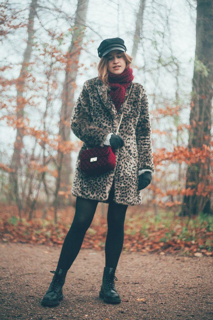 #leopardcoat #leopard #nature #fall #autumn #forest #photography #bordeaux #handbag #bag #burgundy #hats #docmartens #drmartens #boots #outfit #look #lifestyle