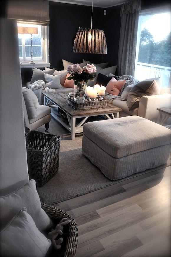 Looooove lots of pillows. When we get our new three piece sectional, I am going to cover it full of pillows! Super cozy!: