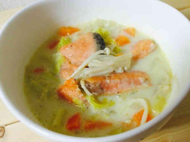 相性バツグン!鮭と豆乳の野菜スープの画像