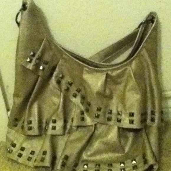 If you buy it January 1 you get a a free neclakes Big leater cute Bags