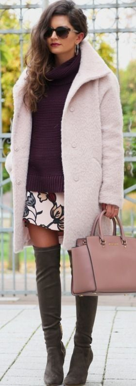 Coat / dress / sweater : Hallhuber | spanking: Joie | sunglasses: Escada | bag: Michael Kors via Sarenza || Outfit with my favorite overknee boots || Fashion Hippie Loves
