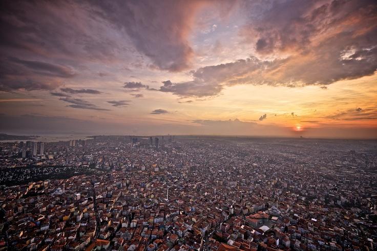 Istanbul by Bernardo Ricci Armani, via 500px