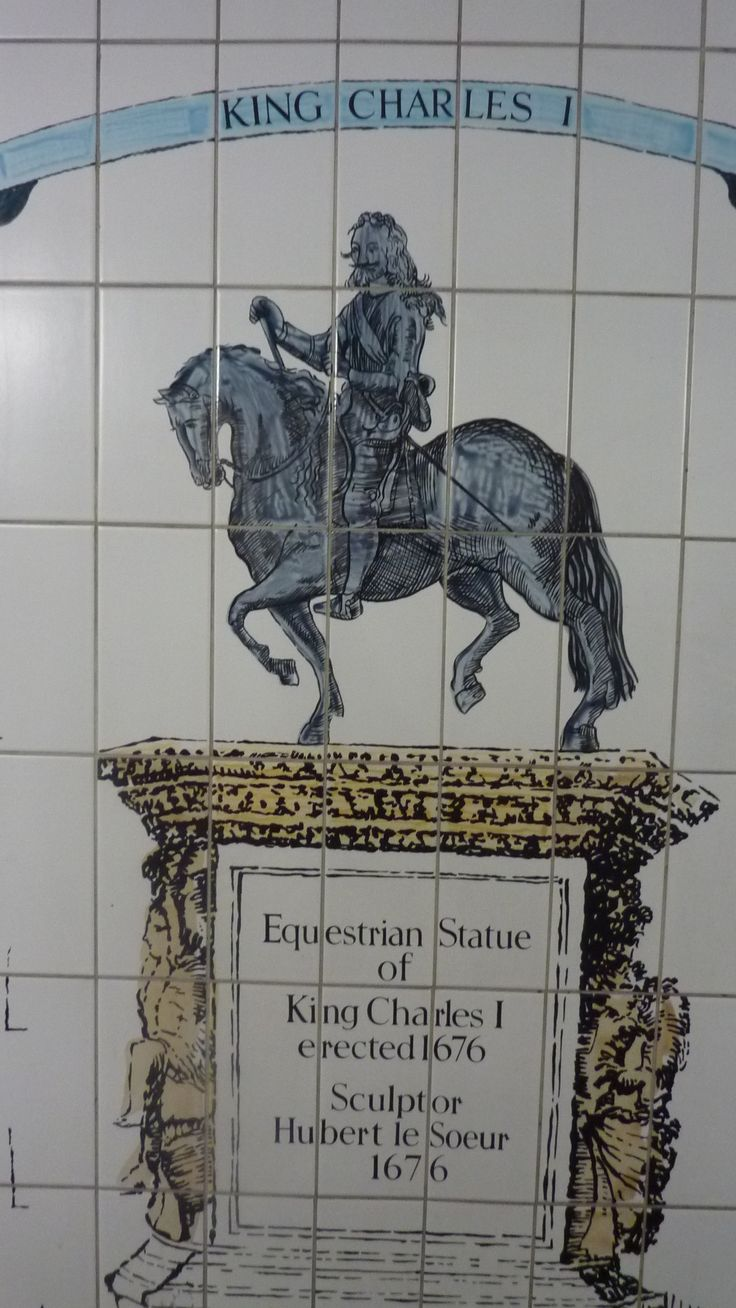 Painted tiles in London Underground near Trafalgar square