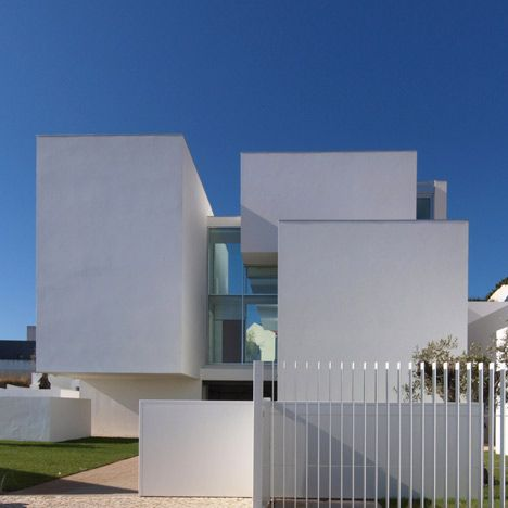 House in Paço de Arcos by Jorge Mealha Arquitecto. click 4 pics. plan printed.  unable 2 pin.
