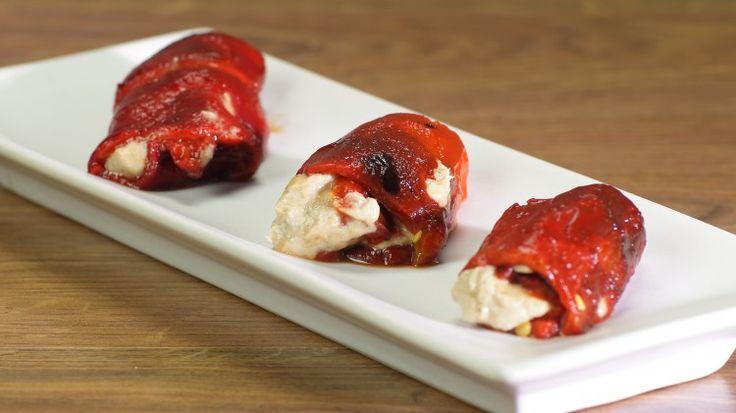 Ricetta Involtini di peperoni alla piemontese: Gli involtini di peperoni alla piemontese sono un ottimo piatto che può essere servito come antipasto o come secondo. Preparatene tanti, vanno a ruba!
