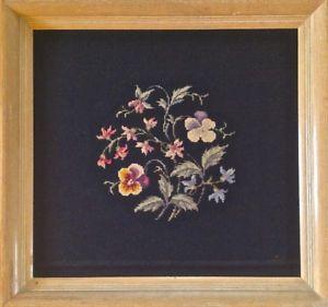 Vintage. Collection Tableau Oeuvre au point de croix. Cadre bois