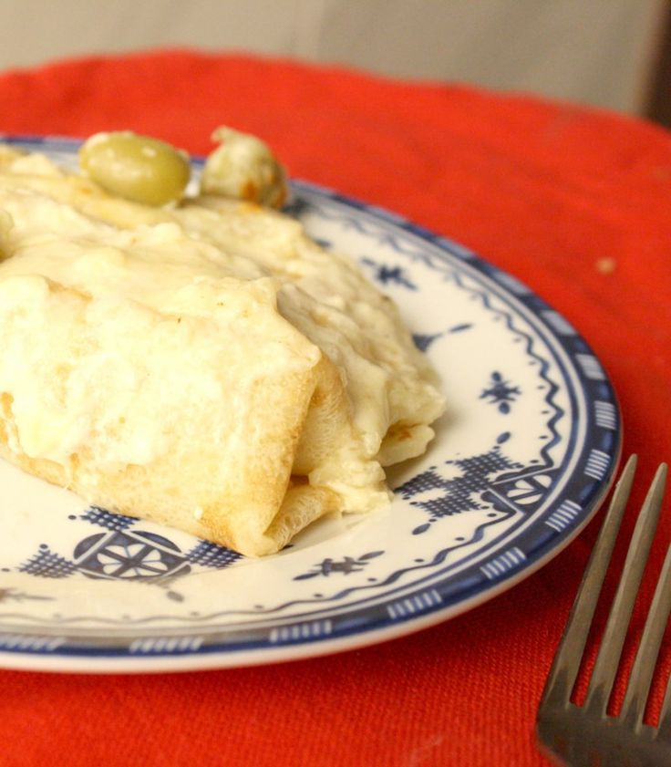 Creamy Chicken Crepes Recipe #HamiltonBeach #HBnewlywed #ad More