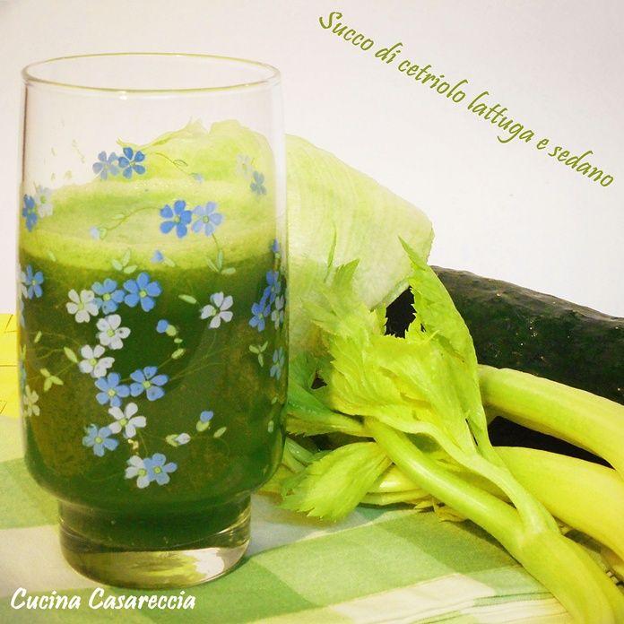 Succo di cetriolo lattuga e sedano una bevanda fresca gustosa buona facile e veloce da preparare per conciliare il sonno per carenza di ferro per calvizia