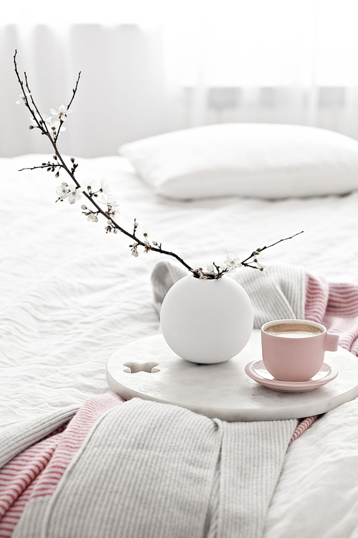 Pink Cup by Catherine Lovatt for Serax|Pink & Grey throw/blanket from Dot & Tom|White Round Vases from Cooeeand for all the UK fans, they will soon be available from Made Modern!